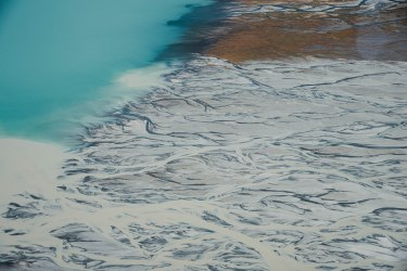 Pukaki river veins